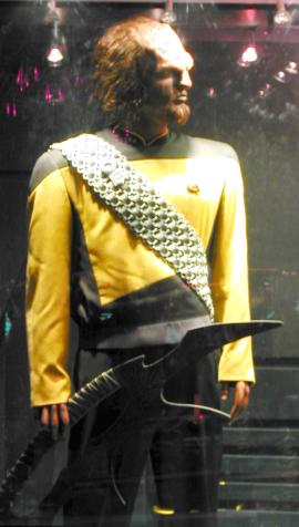 [Worf's Uniform (jpg image)]